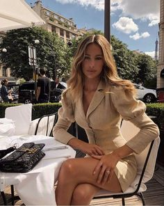 Best Ways To Style Your Outfits - Fashion Trends Classy Outfits, Chic Outfits, Fashion Outfits, Womens Fashion, Fashion Trends, Style Fashion, Glamorous Outfits, Fashion Belts, Fashion Goth