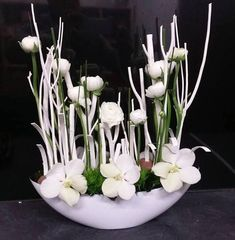 My Garden by Anais & Nicolas Modern Floral Arrangements, Floral Centerpieces, Deco Floral, Arte Floral, Ikebana Flower Arrangement, Flower Arrangements, Flower Decorations, Christmas Decorations, Corporate Flowers