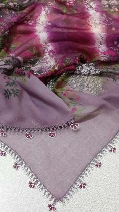 This post was discovered by Lalezar. Discover (and save!) your own Posts on Unirazi.An example of a needle lace example with a really nice color harmony. Saree Border, Embroidery On Clothes, Point Lace, Needle Lace, Bargello, Lace Making, Really Cool Stuff, Tatting, Needlework