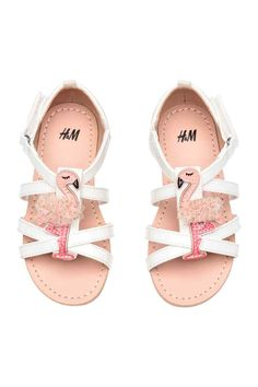 Sandals with appliqué detail - White/Flamingo - Little Girl Outfits, Cute Outfits For Kids, H&m Shoes, Girls Shoes, Zara Kid, White Flamingo, Kids Clothes Sale, Kids Clothing, Baby Slippers