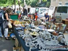 36 best Les Puces de Vanves   Vanves Flea Market images on Pinterest     March     aux Puces de la Porte de Vanves Paris 14e