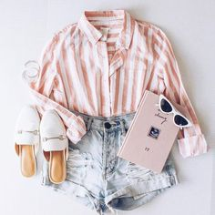 Lift My Spirits Taupe Button-Up Crop Top : Trajes de Moda Teen Fashion Outfits, Mode Outfits, Look Fashion, Outfits For Teens, Girl Outfits, Feminine Fashion, Cute Fashion, Cute Summer Outfits, Cute Casual Outfits