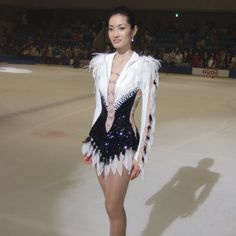 u know the score? Figure Skating Outfits, Figure Skating Costumes, Figure Skating Dresses, Shizuka Arakawa, Dance Costumes Lyrical, Skate Wear, Sexy Legs And Heels, Fantasy Dress, Crop Top Shirts