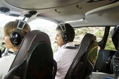 Beto e Fernanda em sobrevoo no litoral do estado: helicóptero é considerado ideal nesse tipo de viagem  