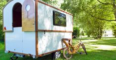 Mini caravan outfitted with telescopic roof is the stuff of off-grid dreams