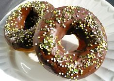 Donuty pečené ve formě recept - TopRecepty.cz Bagel, Doughnut, Rum, Donuts, Bread, Food, Frost Donuts, Beignets, Brot