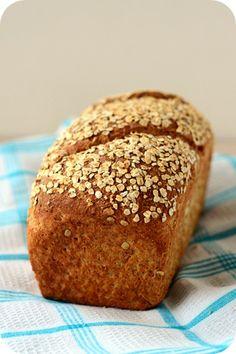 Kennt ihr sie auch? Diese Tage, an denen nichts so läuft, wie geplant? Dieses Brot ist an so einem Tag entstanden, was vermutlich auch der ...