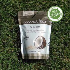 Sukrin Coconut Flour Organic -400gr. Το Sukrin Coconut Flour Organic της Sukrin, είναι αλεύρι παρασκευασμένο αποκλειστικά από βιολογική καρύδα. Η μείωση των λιπαρών που επιτυγχάνεται μέσα από τη διαδικασία ψυχρής συμπίεσης της βιολογικής καρύδας, μας δίνει ένα προϊόν που συμπεριφέρεται καλύτερα στο ψήσιμο απο το κοινό αλεύρι καρύδας. Coconut Flour, Fiber, Organic, Coffee, Kaffee, Low Fiber Foods, Cup Of Coffee