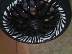 Rims. OMG(: loveee but white instead of the black part lol