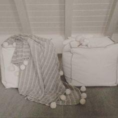 #plaid #pompons #henm #wit #grijs #konijn #rabbit #poeven #home #grey #white