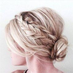 Wedding Hairstyles    » 24 Lovely Medium-length Hairstyles For Fall Weddings » ❤️ See more:    http://www.weddinginclude.com/2017/07/lovely-medium-length-hairstyles-for-weddings/ #beautyhairstyles
