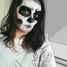 My skull facepaint ;)