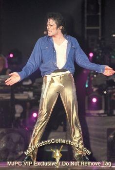 MJJ RARE - History era Photo (20073167) - Fanpop Michael Jackson History Tour, Michael Jackson Bad Era, Jackson Family, Jackson 5, Gold Pants, King Of Music, The Jacksons, Sexy Men, Singer