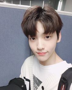 It's soobin! Our first broadcast week is over. It was a fun and happy week thanks to our fans who support us. Every day I feel like the guest of honor. Please be with me for a long time. I hope everyone had a great week!