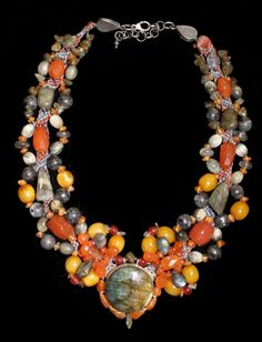 Collar étnico, con turquesa y jade de Guatemala, intercalado con cuentas de ámbar y plata 925. Collar de antiguas cuentas de vidrio,t...