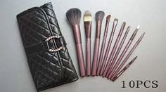 It's Fashion Week in New York and what better time to debut a new MAC makeup collection that is a celebration of the collaboration Mac Makeup Brushes Set, Mac Makeup Set, Mac Brushes, It Cosmetics Brushes, Makeup Brush Set, Makeup Cosmetics, Makeup Eyeshadow, Discount Mac Makeup, Black Mac