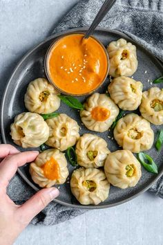 Tibetan Vegetable Momos with Spicy Sesame Tomato Chutney - - These handmade Tibetan vegetable momos are delicious dumplings, stuffed with an easy cabbage and tofu filling. Veggie Recipes, Indian Food Recipes, Asian Recipes, Soup Recipes, Vegetarian Recipes, Dinner Recipes, Cooking Recipes, Healthy Recipes, Asian Desserts