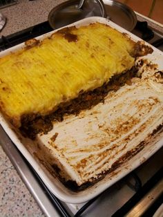 Shepherd's or Cottage Pie: Classic English dish of mince in gravy baked with a topping of mashed potato English Dishes, Cottage Pie, Gravy, Cornbread, Mashed Potatoes, Lamb, Beef, Baking, Classic