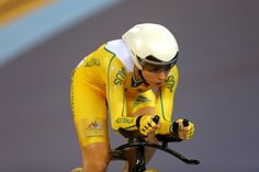 Edmondson third in omnium with two to go          Annette Edmondson of Australia competes in the Women's Omnium Track Cycling 3km Individual Pursuit on Day 11 of the London 2012 Olympic Games at Velodrome on August 7, 2012 in London, England.          © Phil Walter/Getty Images
