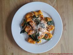 Now this is a Gnocchi I'd love to try...Pumpkin Gnocchi...Served w/Sauteed Spinach & Walnuts! from @lovethymehoney