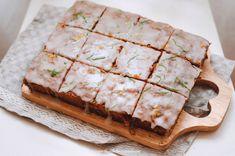 У нас в блоге уже есть чудеснейший морковный пирог, НО! Этот пирог без молочных ингредиентов, а точнее на растительном масле. В последнее время не только диеты…