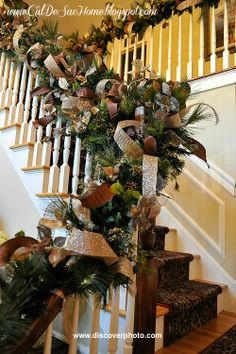 Thanksgiving's passed and Christmas is here! Try these unique DIY Christmas garland ideas that are sure to make your house and Christmas tree look great! Christmas Stairs, Diy Christmas Garland, Christmas Mantels, Noel Christmas, Rustic Christmas, Winter Christmas, Office Christmas, Christmas Ribbon, Christmas Inspiration