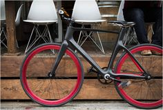 Vanhawks valour carbon fiber smart bike connects to iOS with bluetooth: hooking-up to iOS, android and pebble using bluetooth, the commuter bicycle is connected through a mesh-network - similar to communication Smartphone, Fixed Gear Bike, Ex Machina, Expedition Vehicle, Road Bikes, Cycling Bikes, Carbon Fiber, Gears, First World