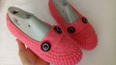 Tabata, Baby Shoes, Slippers, Vans, Boots, Crocheting, Clothes, Youtube, Fashion