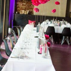 Pink meets Wedding. Pink ist eine immer wiederkehrende Trendfarbe, die sich auch in vielen Hochzeitskonzepten wiederfinden lässt.