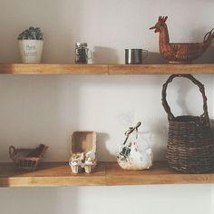 My Shelf,つっぱり棚,つっぱり棒,お正月,酉年,100均アイテム,ドライフラワー,ナチュラルインテリア,あけましておめでとうございます♡,1DK,セリア,100均リメイク,スタジオクリップ,ごちゃごちゃ,賃貸アパート,ダイソー,にわとり,カゴ,ダイソー木材,ロハスフェスタ,ロハス戦利品,いなざうるす屋さん littlesnowの部屋