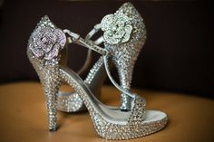 WOW!!! Custom made wedding shoes....