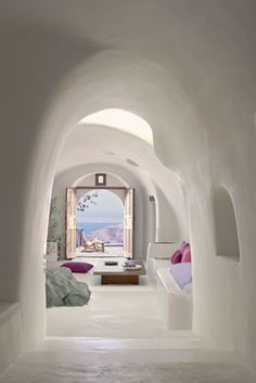 Perivolas Hotel in Santorini, Greece. I think I could just spend forever Hotel hopping in Santorini I'm staying in a new hotel every night, and never get bored! I love how so many of the Santorini hotels have that cave style Santorini Greece, Santorini Island, Luxury Hotels, Santorini House, Greece Hotels, Santorini Travel, Crete Greece, Townhouse, Places