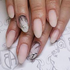 #matte #marble #nails by @b.a.nailsbybojana #notd #nailart #nailsofinstagram #nailsmagazine