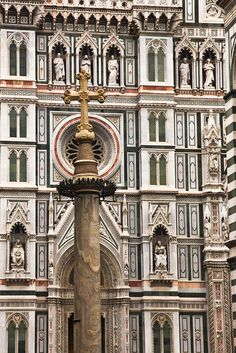 Cross in front of the Duomo by Tom Roche