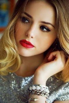 Omuz Hizasında/Boyunda Dalgalı/Maşalı Saç Modelleri 2014-2015