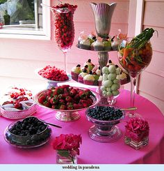 Keep weddings fresh and colorful with this fruit and cupcake buffet!