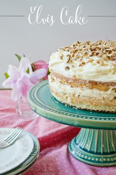 Elvis Cake Recipe - a sweet yellow cake with pineapple and cream cheese icing Yummy Treats, Sweet Treats, Yummy Food, Delicious Recipes, Tasty, Cream Cheese Topping, Cake With Cream Cheese, Gorgeous Cakes, Amazing Cakes