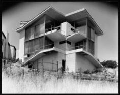 Exterior view of the Elizabeth Van Patton residence, Los Angeles, 1934 :: Library Exhibits Collection Arch House, My House, Usc Library, Home Structure, Cinema Posters, Old Houses, Custom Homes, Architecture Design, Home And Family