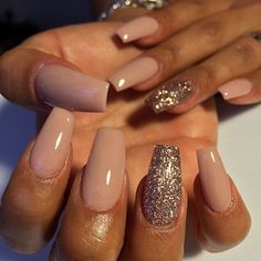 I'm lovingggg this nude color with the pop of shimmer gold on the designer finger , Great!! for Winter and Fall #Nudenails