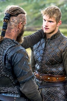Alexander Ludwig as Björn Ironside Ragnar Lothbrook, Ragnar Lothbrok Vikings, Vikings Show, Vikings Tv Series, Viking Men, Viking Warrior, Bordados Viking, Viking Aesthetic, Viking Wallpaper