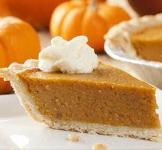 What to Eat on Halloween? Try these 9 Delicious Pumpkin Desserts Gluten Free Pumpkin Pie, Pumpkin Pie Recipes, Perfect Pumpkin Pie, Stevia Recipes, Yummy Treats, Yummy Food, American Desserts, Thanksgiving Desserts, Hosting Thanksgiving