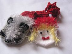 Red Riding Hood and the wolf  mittens for a 1year 3 by Spillija