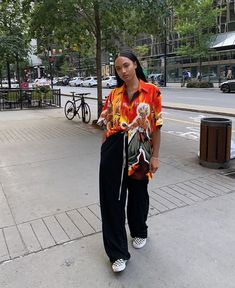 The Effective Pictures We Offer You About tomboy fashion sweatpants A quality picture can tell you m Tomboy Outfits, Tomboy Fashion, Mode Outfits, Retro Outfits, Fashion Killa, Streetwear Fashion, Look Fashion, Trendy Outfits, Vintage Outfits