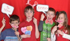 Valentine's Day Photo Props - perfect for a classroom #Valentine's Day party.