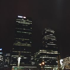 London - canary wharf #onecanadasquare #canarywharf #memories #london #skyscraper #lights #night by jeannebllt