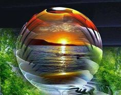 Glass Photography, Macro Photography, Mosaic Crafts, 5d Diamond Painting, Glass Ball, Crystal Ball, Belle Photo, Wallpaper Backgrounds, Scenery