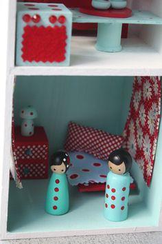 color coodinated peg dolls