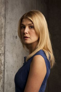 Johnny English Rosamund Pike, Fanny Photos, Beautiful Celebrities, Beautiful Women, Johnny English, Gone Girl, Catherine Zeta Jones, Actrices Hollywood, Hollywood Actresses