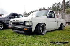 Old school Nissan mini truck Nissan Hardbody, Nissan Trucks, Ford Trucks, Drift Truck, Datsun Car, Go Car, Shop Truck, Nissan Titan, Mini Trucks