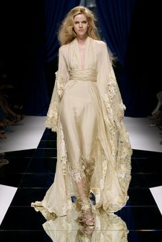 Zuhair Murad - Haute Couture Fall Winter 2010/2011 - Shows - Vogue.it